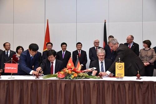 Vietjet, Lufthansa sign technical service agreement hinh anh 1