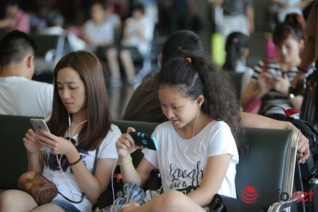 Half of Vietnam phone users still use non-smartphones hinh anh 1