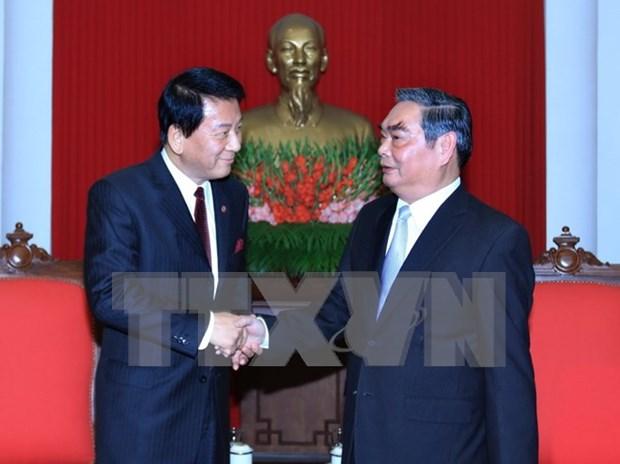 Senior Party official receives Vietnam-Japan special ambassador hinh anh 1