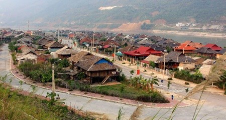 PM approves resettlement, road plans hinh anh 1