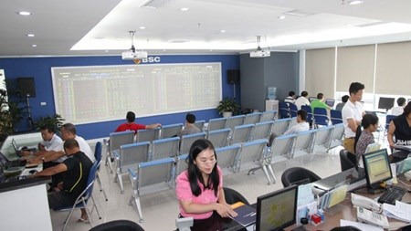 Vietnam's shares down for fourth day hinh anh 1