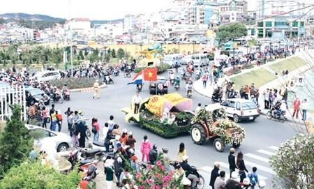 Flower festival returns to Da Lat hinh anh 1