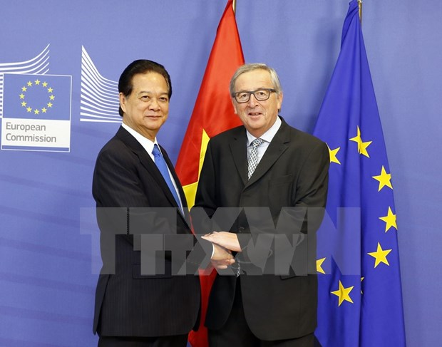 Press statement by Vietnamese PM and EU leaders hinh anh 1