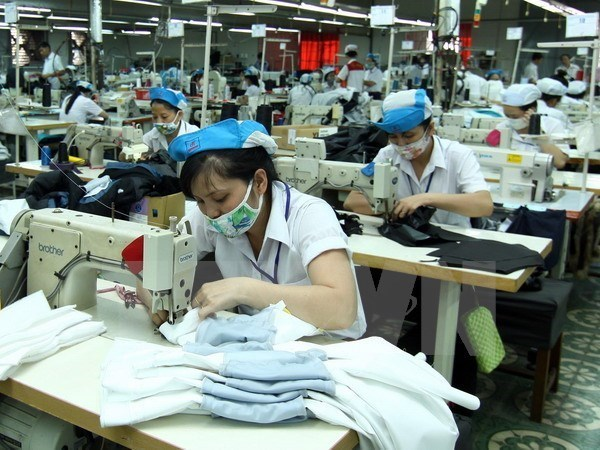 New decree aims to elevate living standards of female workers hinh anh 1