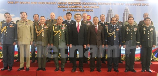 Vietnam attends SASEAN defence dialogue in Malaysia hinh anh 1