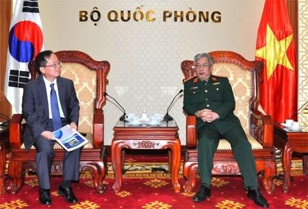 UXO clearance coordination realises Vietnam-RoK agreements hinh anh 1