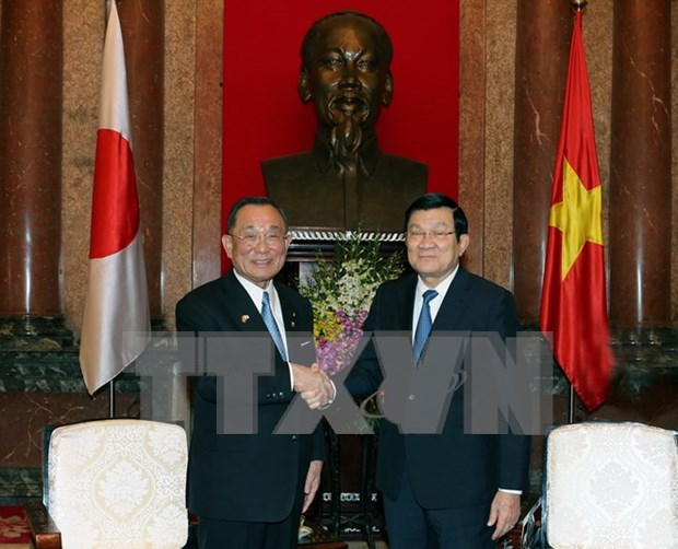 Japan top legislator vows to do more for partnership with Vietnam hinh anh 1