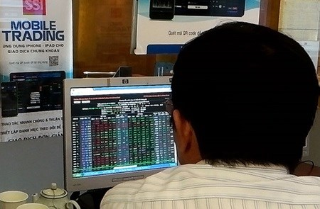 Vietnam's shares jump, led by banks hinh anh 1