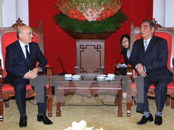 Parties' connections pivotal to Vietnam-Azerbaijan relationship hinh anh 1