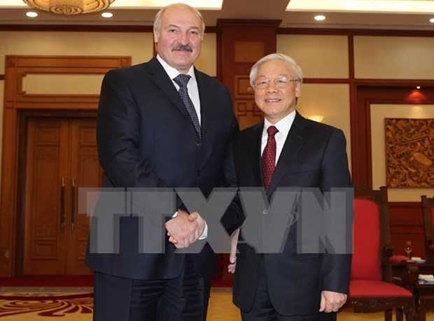 Party leader greets visiting Belarusian President hinh anh 1