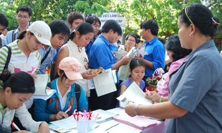 HCM City seeks to fill job vacancies hinh anh 1
