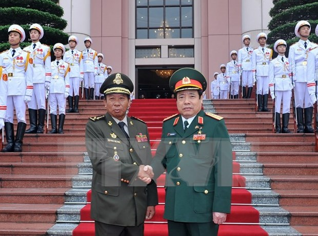 Vietnam, Cambodia sign defence cooperation plan for 2016 hinh anh 1