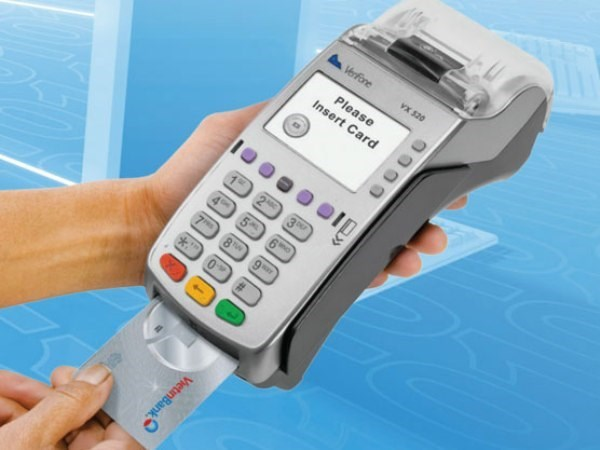 Non-cash payment method gets popular hinh anh 1