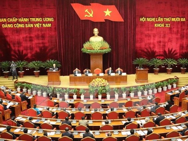 Party Central Committee convenes 13th meeting hinh anh 1