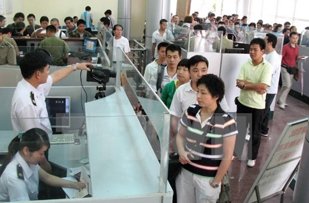 Tours for border pass holders piloted in Mong Cai city hinh anh 1