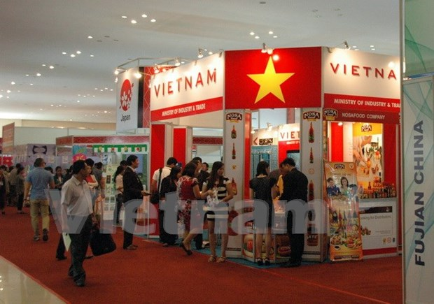 Vietnam attends Cambodian import-export exhibition hinh anh 1