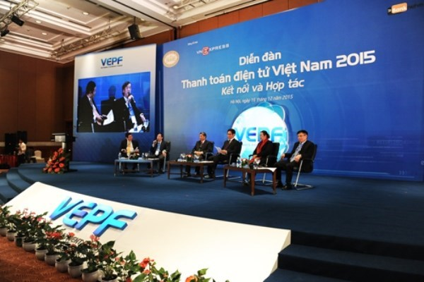 Deputy PM: Changing cash-payment habit boosts economic growth hinh anh 1