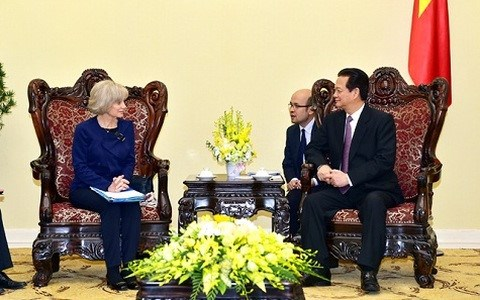 Vietnam urges France to support early signing of EU-Vietnam FTA hinh anh 1