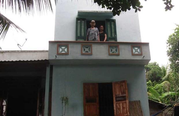 Phu Yen: poor families enjoy storm, flood resistant houses hinh anh 1