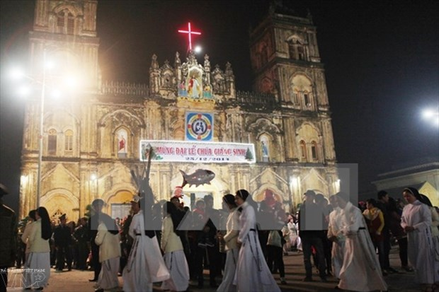 Merry Christmas to Vietnamese Catholics, Protestants hinh anh 1