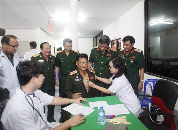 Free health check-ups for needy Lao people hinh anh 1