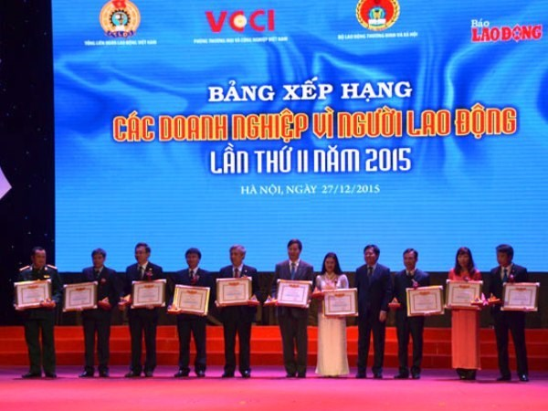 Outstanding employers in 2015 honoured hinh anh 1
