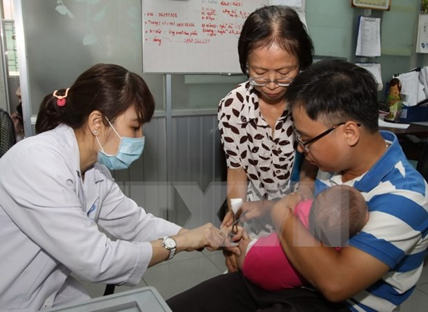 Nationwide immunisation drive proves effective hinh anh 1