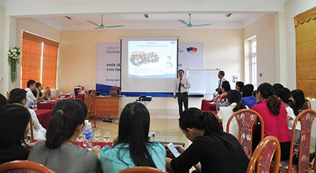 AEC brings opportunities, challenges to Vietnam's tourism workforce hinh anh 3
