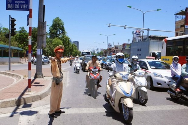 Public called on to obey traffic rules hinh anh 1