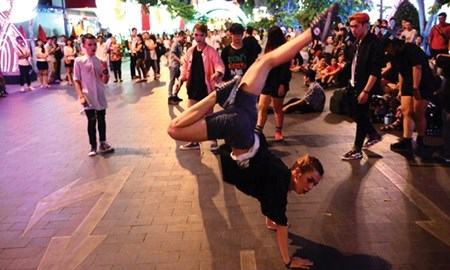 Street Arts fest comes to HCM City hinh anh 1