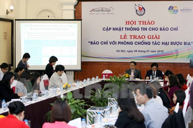 Seminar discusses impact of alcohol abuse hinh anh 1