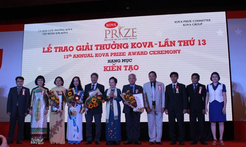 Outstanding scientist, students, social contributors honoured hinh anh 1