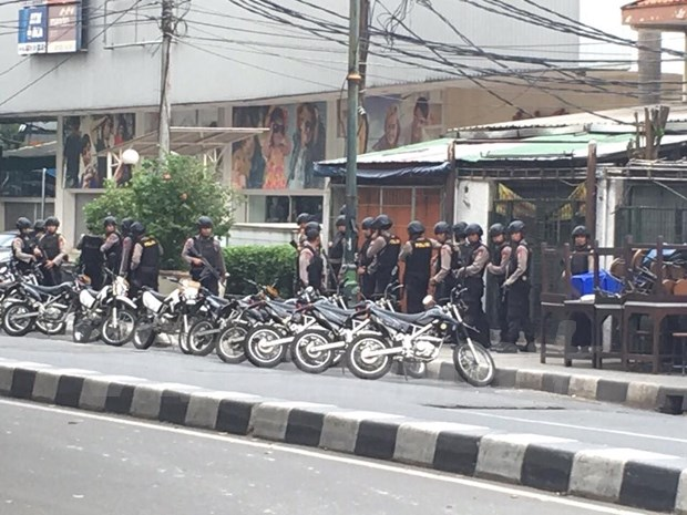 At least seven killed in Jakarta attack hinh anh 1