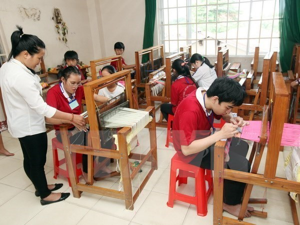 USAID supports treatment of the disabled in Tay Ninh hinh anh 1