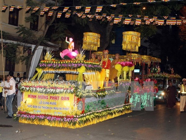 Myanmar presents Lord Buddha's sarira to Vietnamese pagoda hinh anh 1