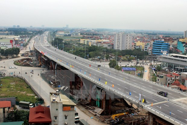 Hanoi's largest road flyover reduces traffic jams hinh anh 1