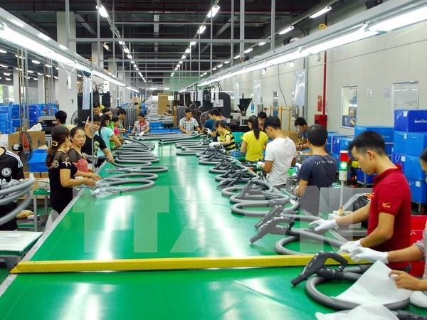 Dong Nai: FDI companies raise minimum wages hinh anh 1