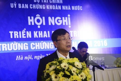 Securities sector sets forth measures to develop market hinh anh 1