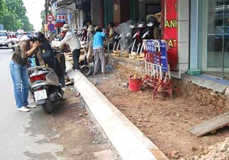 HCM City stops road repairs during Tet hinh anh 1