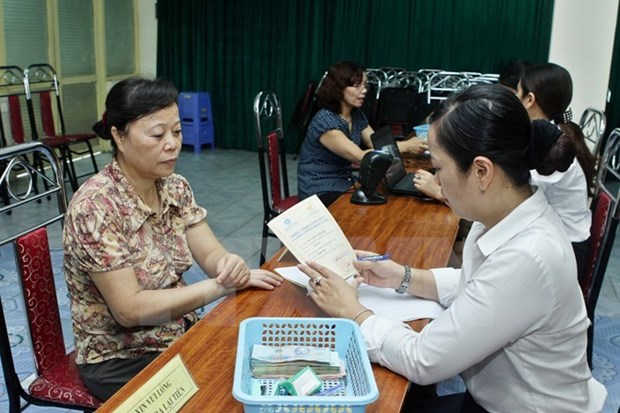 Minimum wage for State agency employees to rise in May hinh anh 1