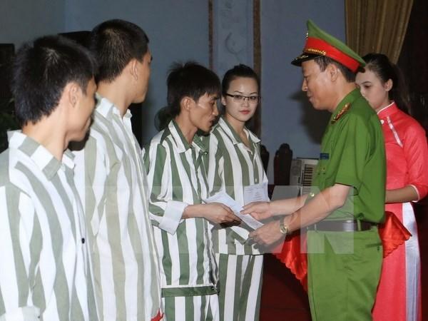 Hanoi pardons 145 prisoners ahead of Lunar New Year hinh anh 1