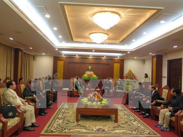 Hoa Binh, Laos's Houaphane province step up friendship relations hinh anh 1