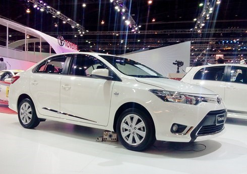 Toyota Vietnam sells 5001 cars in January hinh anh 1