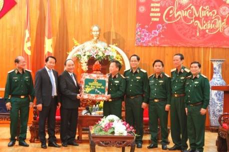 Deputy PM visits soldiers ahead of Lunar New Year hinh anh 1