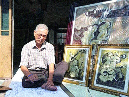 Artist known for aluminium chiselled paintings hinh anh 1