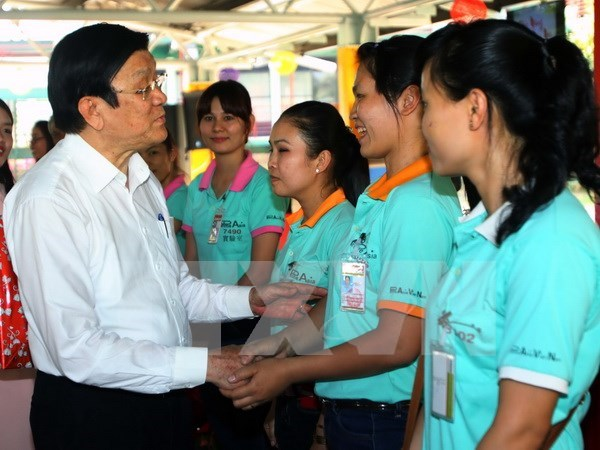 State leader sends New Year wishes to southern workers hinh anh 1