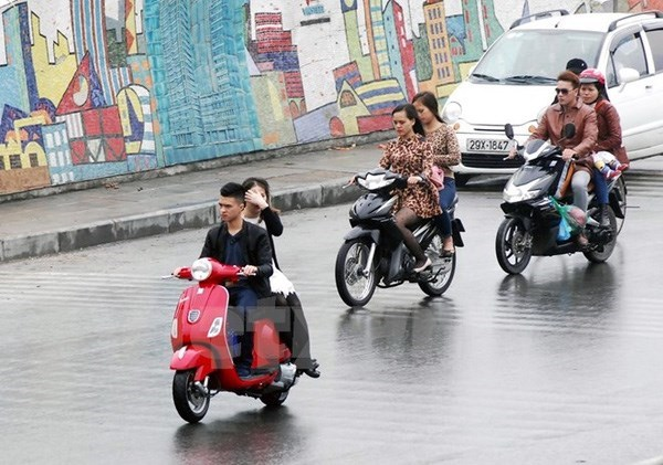 More efforts needed to ensure traffic safety hinh anh 1