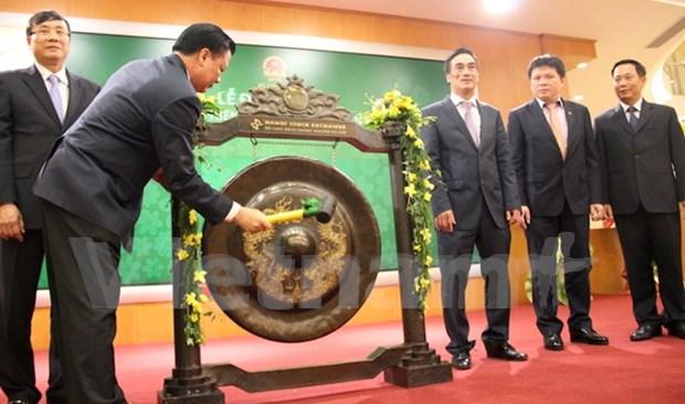 Hanoi Stock Exchange celebrates post-Tet opening hinh anh 1