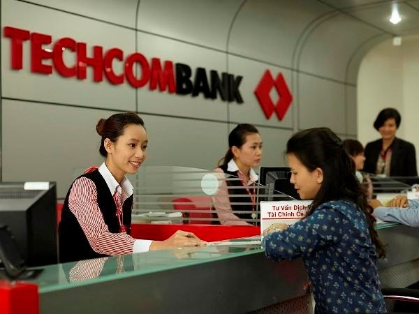 Techcombank's bad debt rate shrinks to 1.67 percent hinh anh 1
