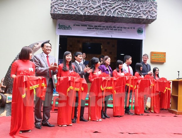 First carnivore and pangolin conservation education centre opens hinh anh 1